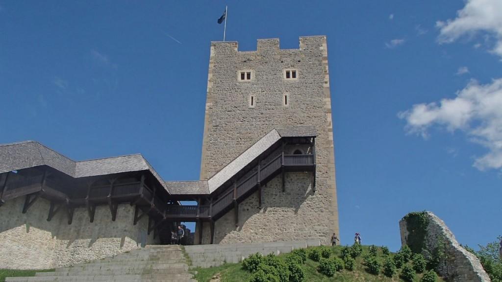 HTC One Mini - die Burg - smart-tech-news