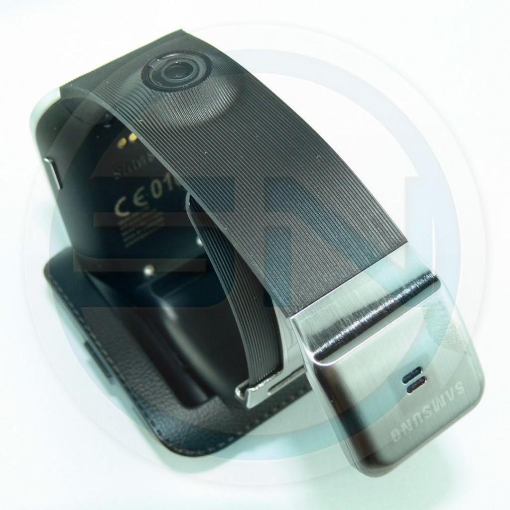 Mikrofon Freisprechfunktion Telefonie - SAM Galaxy Gear - SmartTechNews