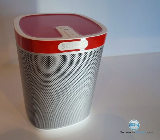 Fertig aufgeklebt - Flexson Sonos Play 1 Skin