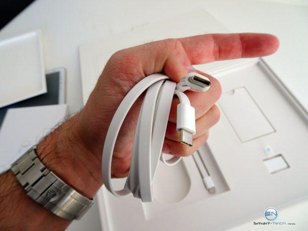 Huawei MateBook - SmartTechNews - USB-C Kabel