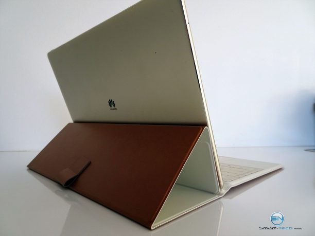 Huawei MateBook - SmartTechNews - Stand von hinten