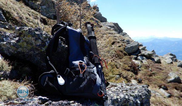 pe-sos GPS Notfall Tracker am Rucksack - SmartTechNews