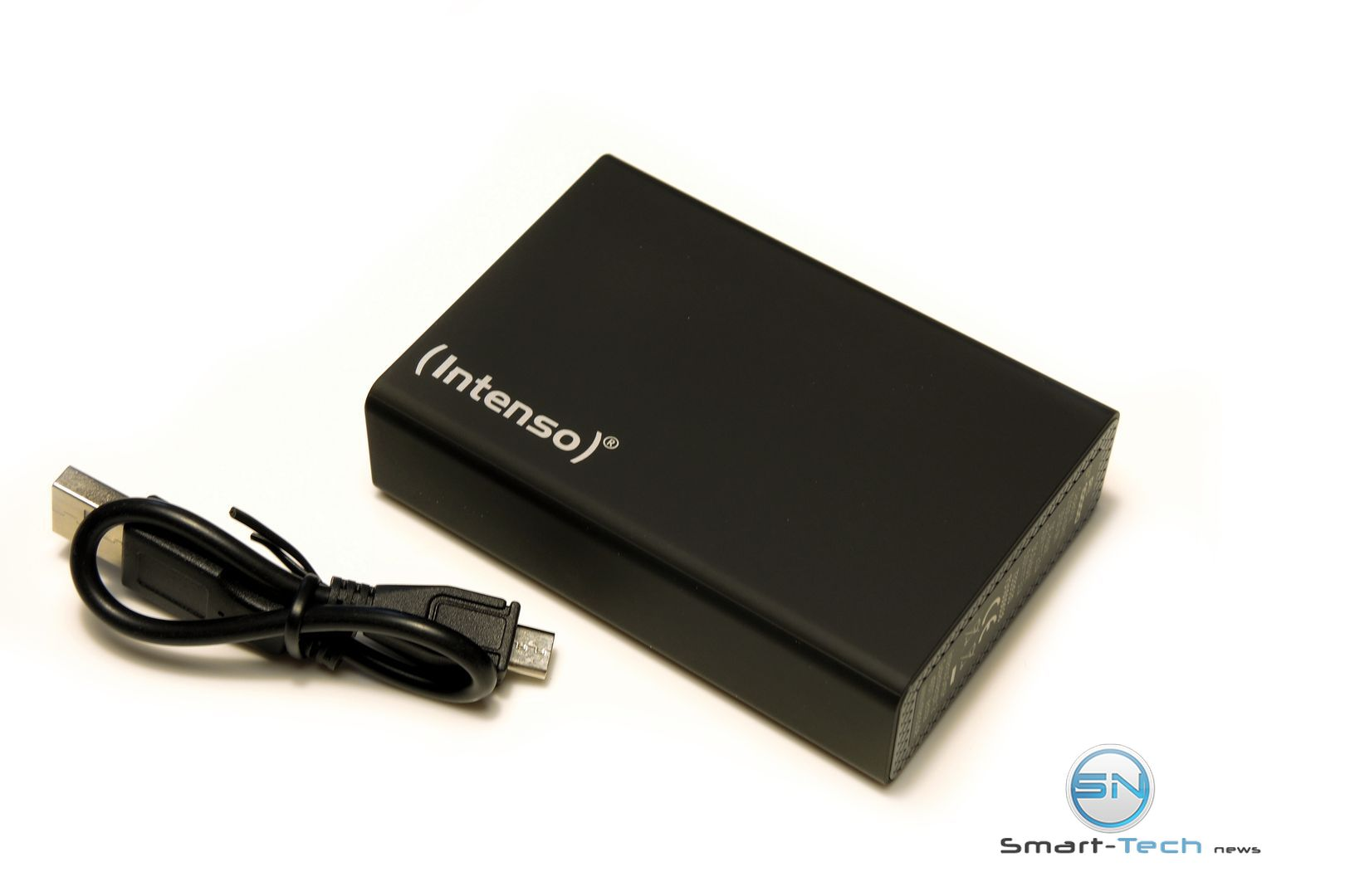 Endless Summer- Intenso Powerbank and Smartphone