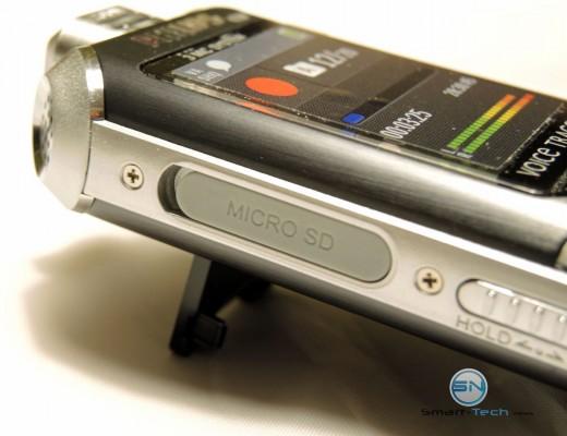 MicroSD und Standbein - Philips DVT 6000 Voice Tracer - SmartTechNews
