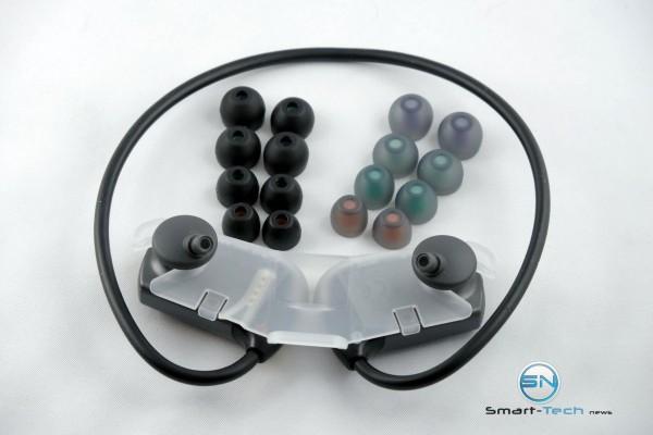 Aufbewahrung und InEar Stöpsel - Sony Walkman NWZ WS613 - SmartTechNews