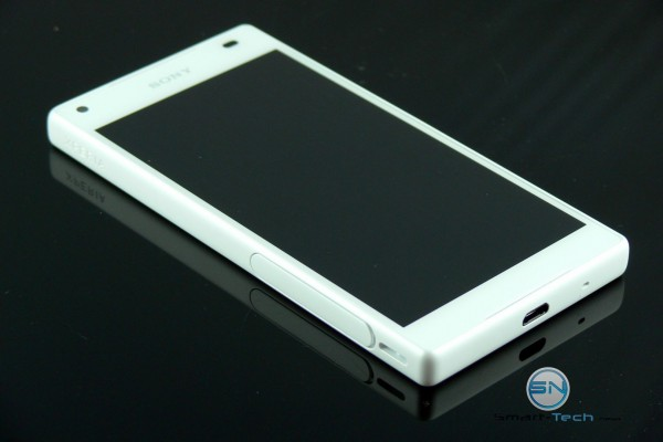 Xperia Logo und USIM MicroSD Schacht - Sony Xperia Z5 Compact - SmartTechNews