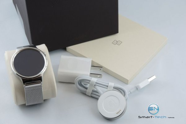 Unboxing - Huawei Watch - SmartTechNews