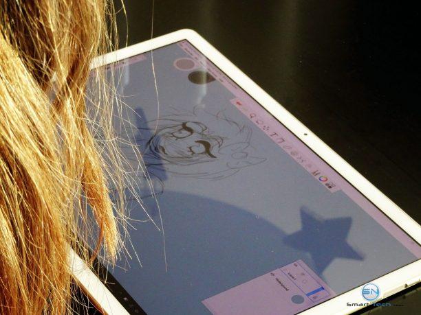 Huawei MateBook - SmartTechNews - beim Zeichnen