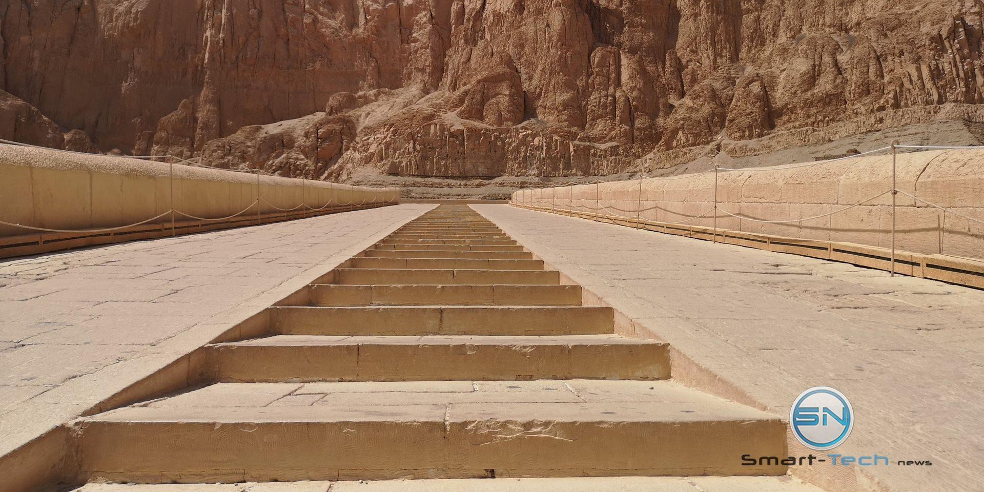 Treppe Tal der Könige Luxor Huawei P20pro